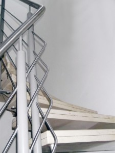 straehle-natursteine-produkte-wendeltreppe-gelaender